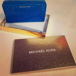 New MK wristlet electric blue wallet 💙